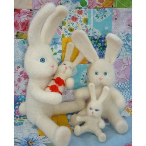 Toys made of wool - set Family of Bunnies